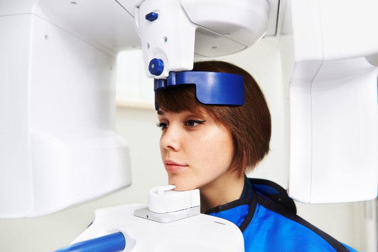 Avisa siempre en el dentista si estás embarazada, porque tomarán precauciones a la hora de hacer radiografías o recetar medicamentos