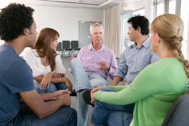 Un grupo de apoyo de personas en situaciones similares a la tuya es una gran manera de encontrar ayuda para sobrellevarlo