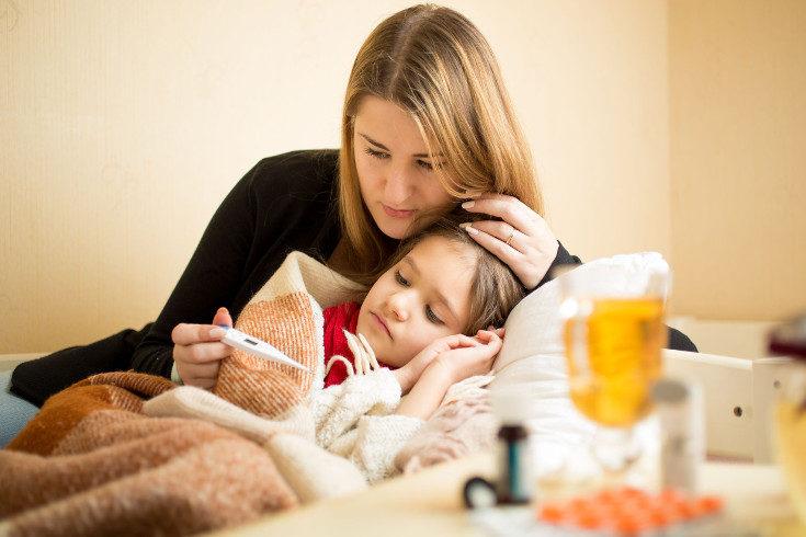 En la gripe tendremos más síntomas, como dolor muscular o vómitos