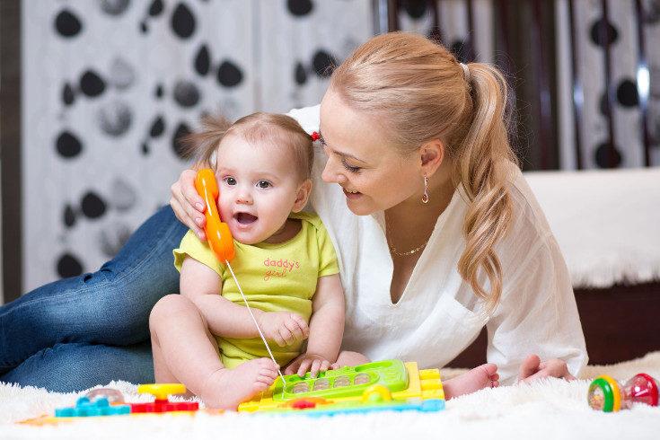 Los niños comienzan a hablar en torno al año o año y medio