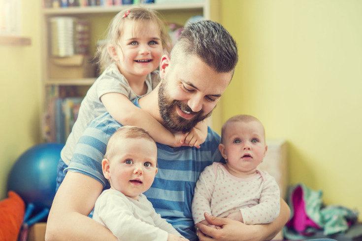 El reconocimiento de familia numerosa debes pedirlo tú mismo