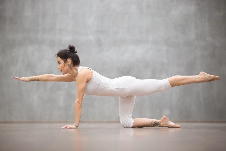 Este ejercicio de equilibrio se realiza en las sesiones de pilates