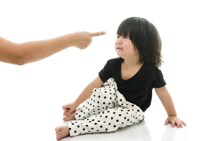 No regañes a tus hijos por hacerse pis en la cama, no lo pueden controlar