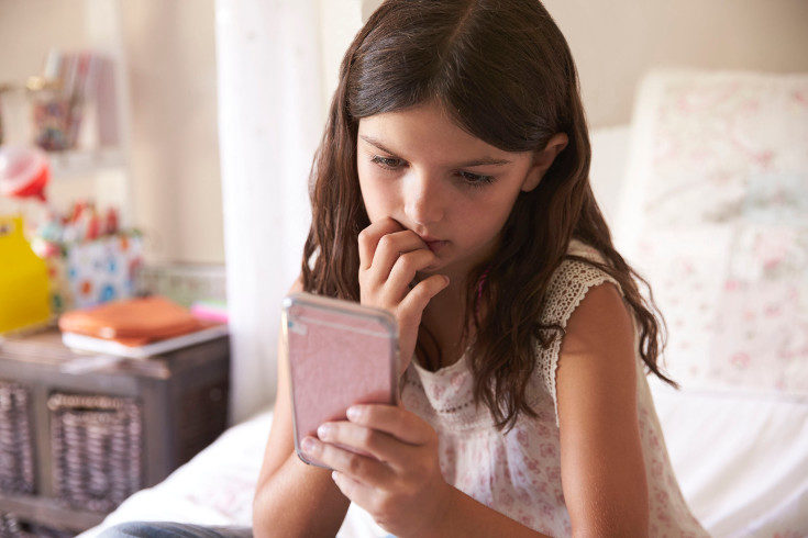 A esta edad los niños pueden verse expuestos a acosadores sexuales por medio de internet