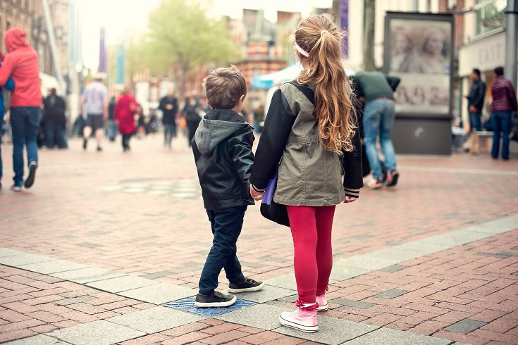 Ante la falta de la figura del padre es bastante normal que los pequeños tengan un cierto descontrol en su identidad