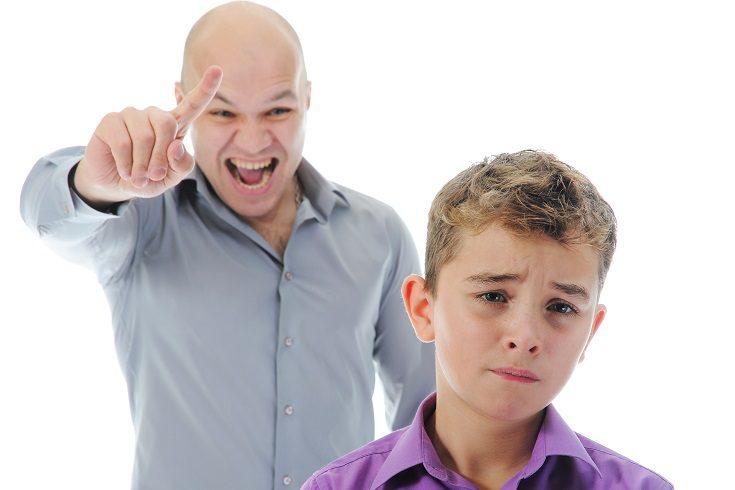 Un niño que se comporta mal y tiene una actitud explosiva, no necesita gritos