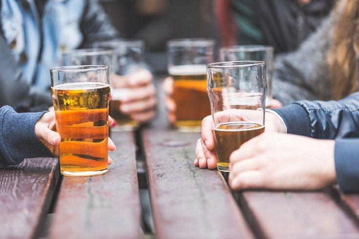 Muchos adolescentes recurren al alcohol como una manera de escapar de otro problema