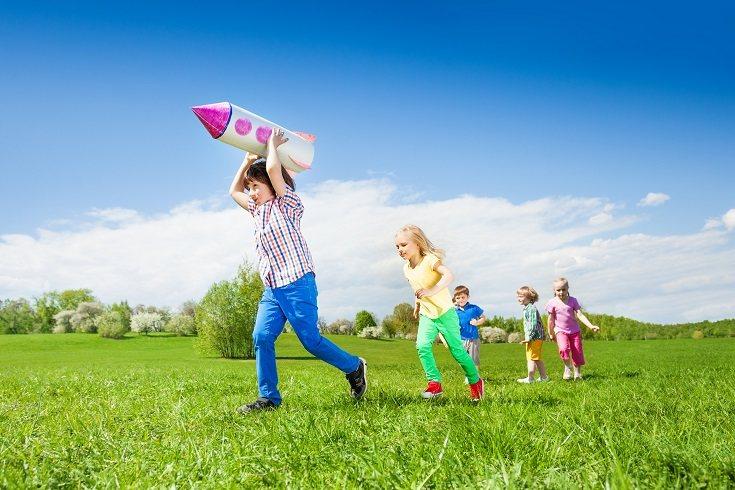 Los niños y jóvenes entre 5 y 18 años necesitan por lo menos 1 hora de actividad física al día