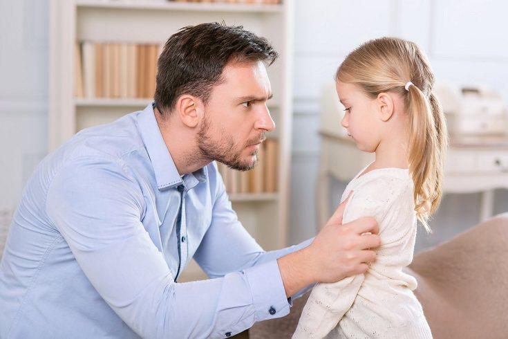 Educa a tus pequeños de tal forma que sepa cómo buscar ayuda si se ven en una situación de peligro