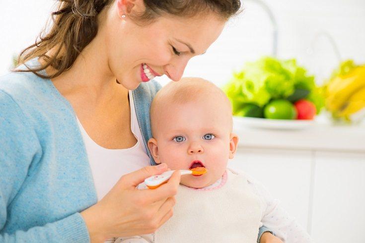 Los pediatras desaconsejan el usar la miel a la hora de endulzar diferentes tipos de platos