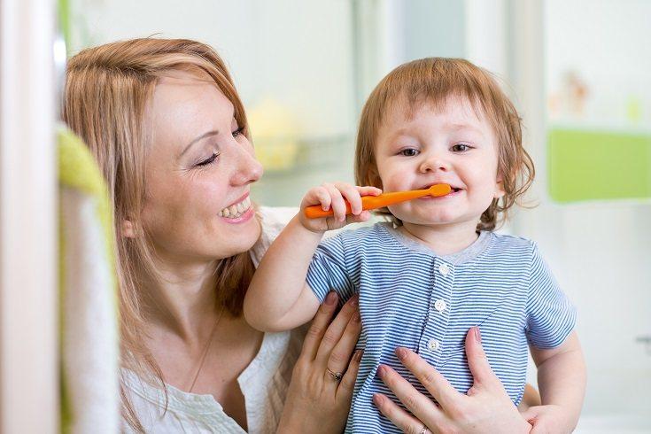 Es necesario que lleves a tu hijo al menos un par de veces al año al dentista