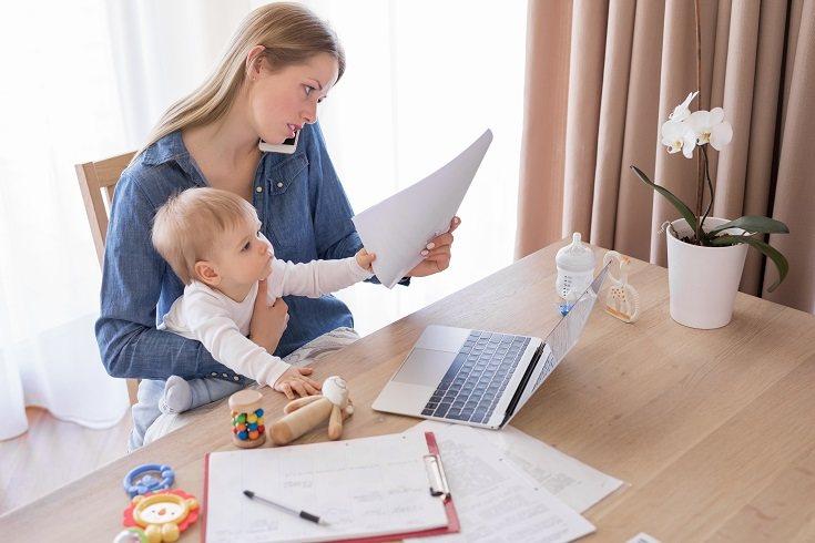 Las madres a menudo son alabadas como los superhéroes de sus hogares y la sociedad en general