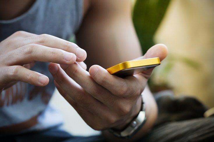 El contrato para el uso del teléfono móvil en los