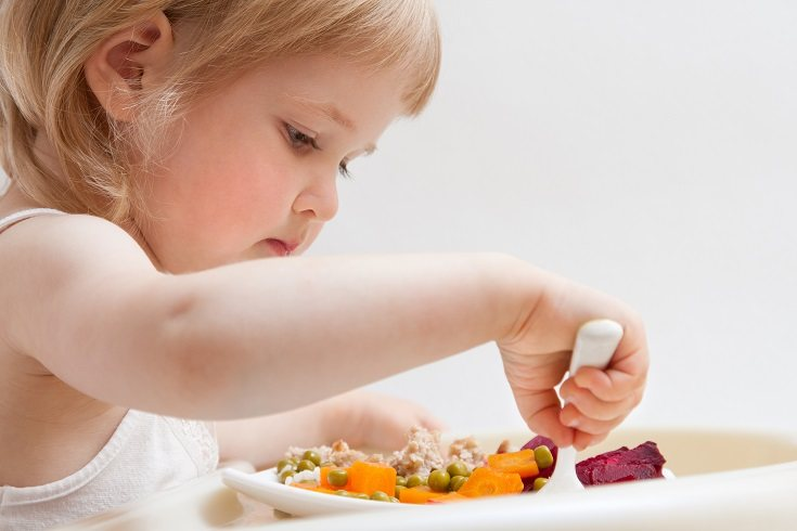La falta de vitaminas puede causar raquitismo o escorbuto