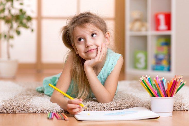 Los niños son diferentes de los adultos porque tienen la libertad de imaginar y aprender libremente