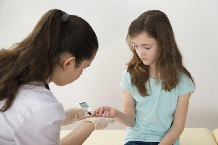 La insulina revierte los procesos que generan la cetoacidosis diabética