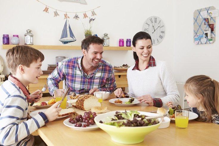 No es lo mismo comer o cenar juntos en familia que sentarse en la mesa cada uno por su lado