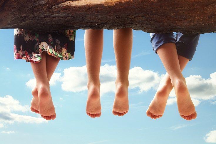 El uso de los zapatos aumenta la fuerza de reacción del suelo a su impacto