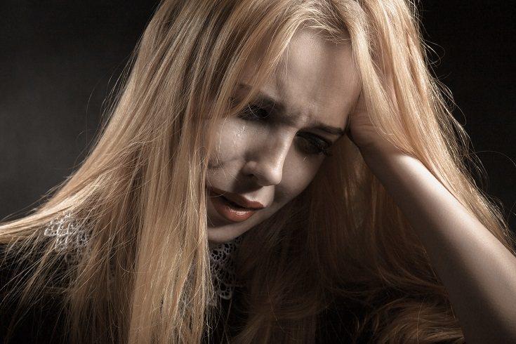 La pareja y el entorno familiar son claves a la hora de conseguir que la mujer pueda salir de tal depresión