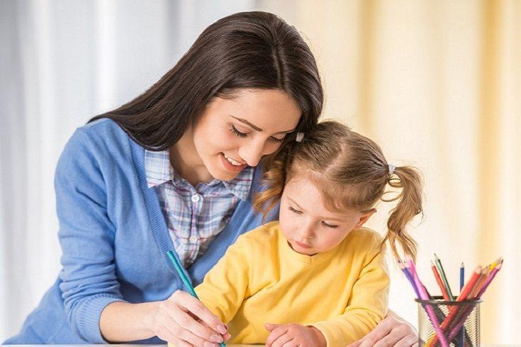 Para permitir que tu hijo tenga oportunidades para escribir, será necesario también que le proporciones las herramientas necesarias para hacerlo