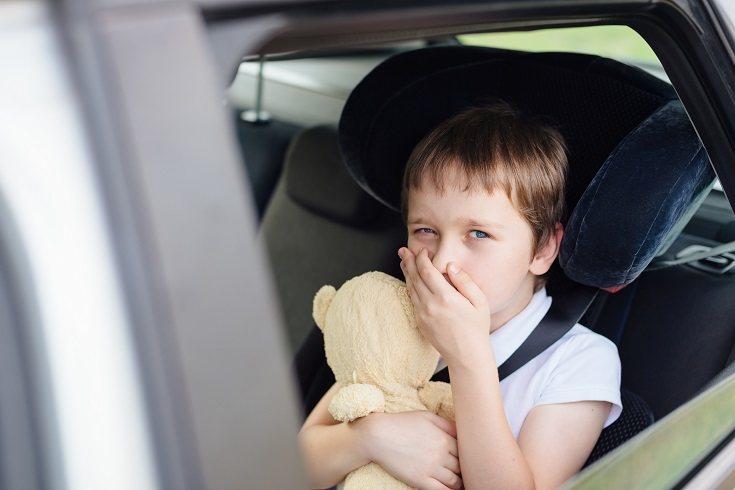 La conducción por parte del padre o madre debe ser lo más suave posible