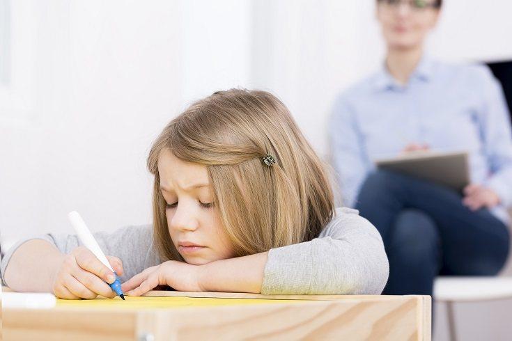 Es posible y bastante normal que un niño se resista y no quiera ir al tiempo de espera