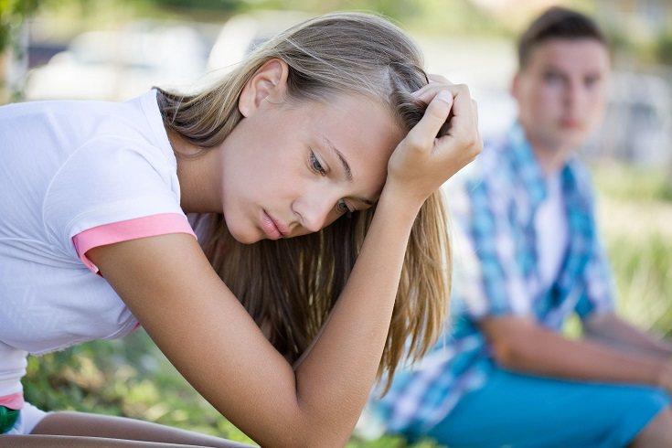 Si tu hijo/a pre adolescente rompe las reglas, es necesario que te asegures que hay una consecuencia negativa