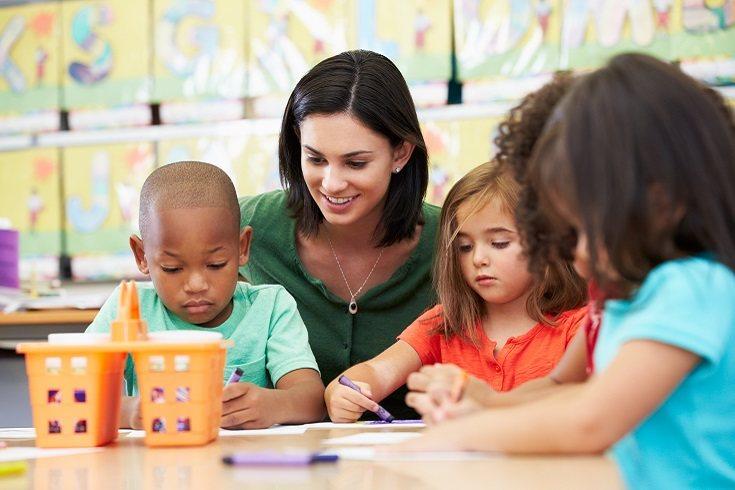 No necesitas armarios Montessori en toda tu casa, ni millones de cosas específicas