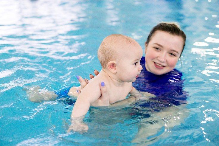 Los bebés no necesitan ningún tipo de flotador ya que no son nada eficaces durante dichas edades