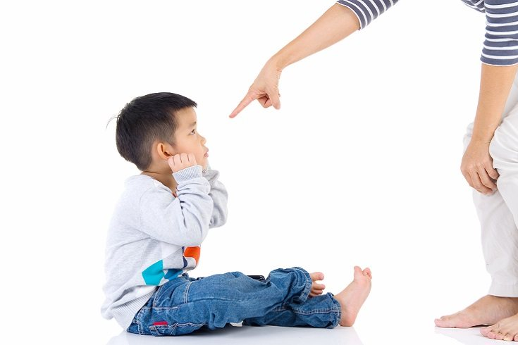 Es bueno tener varias opciones cuando estás decidiendo cómo enseñar mejor a tu hijo sobre el comportamiento apropiado