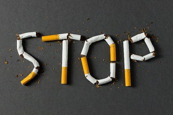 Es una buena idea hacer un juego de roles en los que ofrezcas cigarros a tu hijo