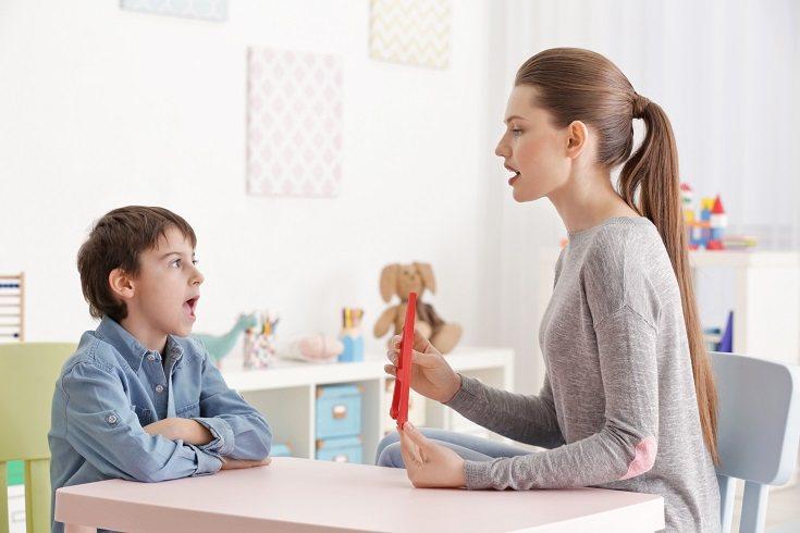 El refuerzo de la conducta positiva debe ser posterior e inmediato a la acción del menor