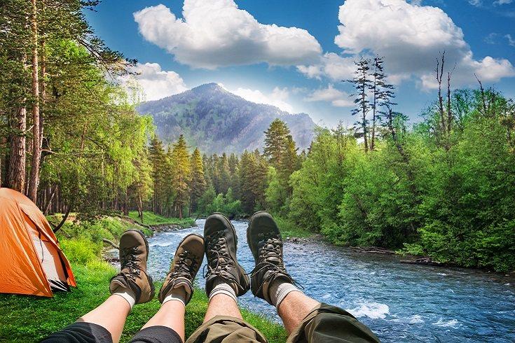 Si no estás acampando junto a un sendero, es mejor que reserves con tiempo para no quedarte sin sitios
