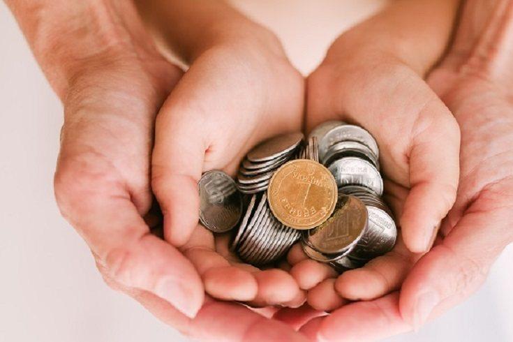 Los niños en realidad no ganan nada, los padres deciden cuánto dinero se han ganado sus hijos