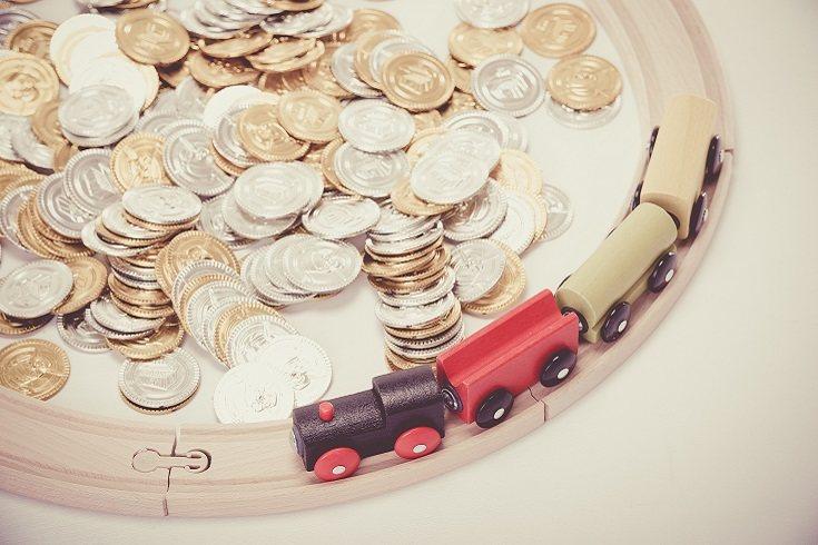 Deben haber algunas reglas para que los padres ayuden a sus hijos a administrar el dinero