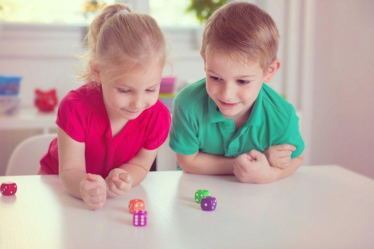 En su espacio de aprendizaje es recomendable que los niños puedan ensuciarse las manos tanto literal como figurativamente