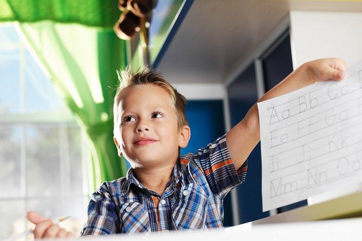 Los padres pueden ayudar a sus hijos a desarrollar sentimientos positivos de autoestima