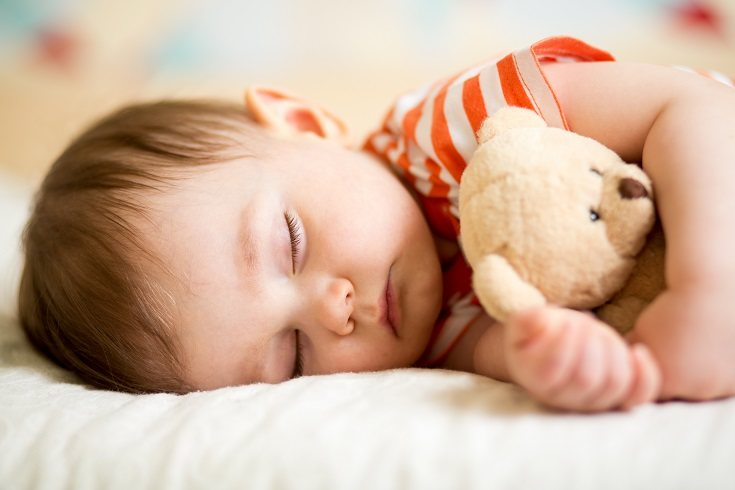 Una atmósfera serena le dice al cuerpo y la mente de tus bebé que es hora de dormir