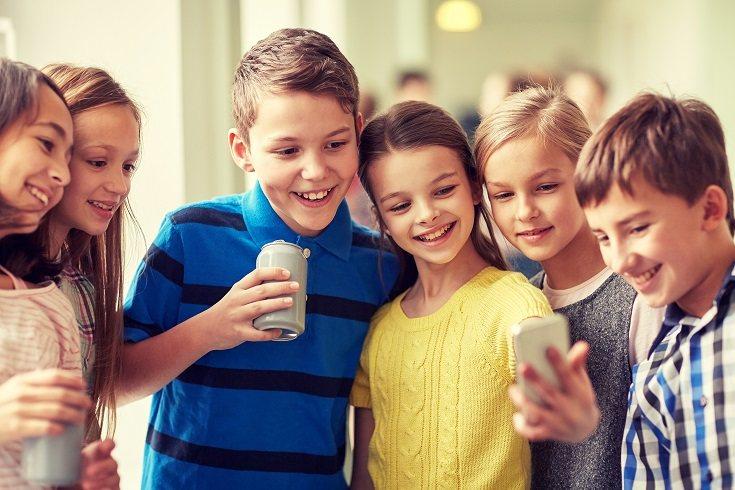 A medida que tu hijo se mueve a lo largo de su entorno, también lo hace el líquido en los canales del oído interno
