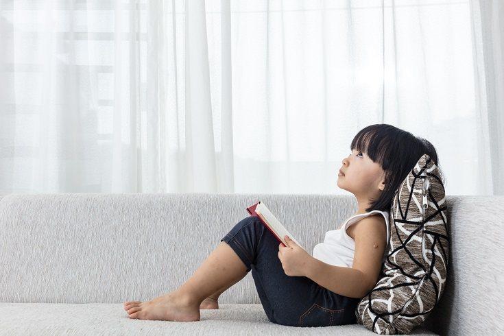 Habla con frecuencia con tus hijos sobre las expectativas de comportamiento que esperas en momentos determinados