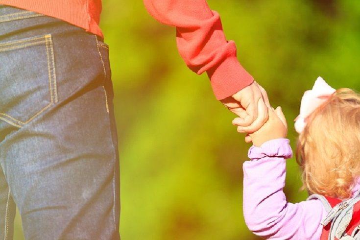 En muchas ocasiones hay padres que cometen el gran error de volcarse en exceso con lo material