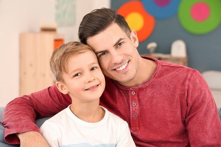 Mantén curiosidad sobre la familia biológica de tu hijo
