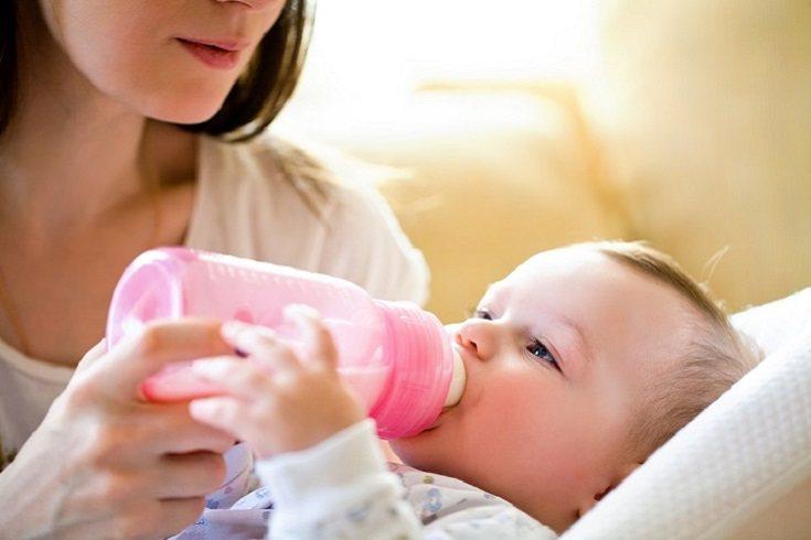 La primera visita al dentista debe ser a los 8 meses de edad más o menos