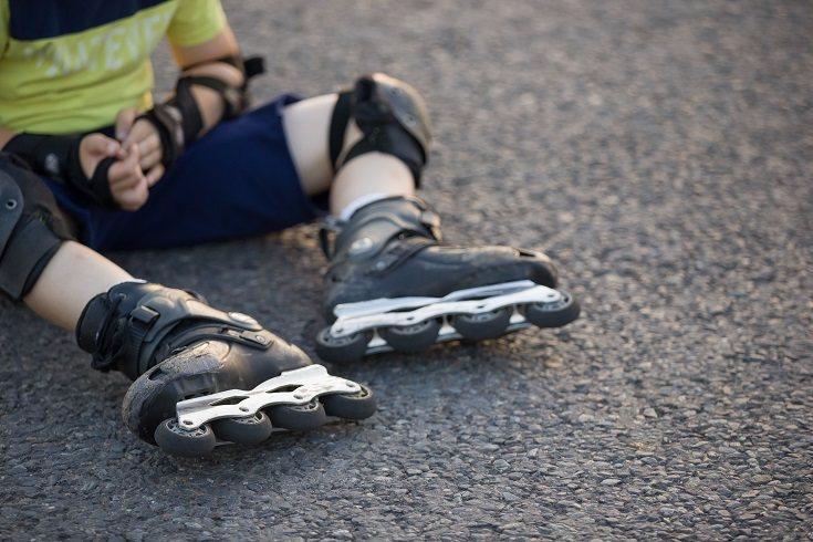 Normalmente los niños fuerzan sus articulaciones durante el día al correr mucho
