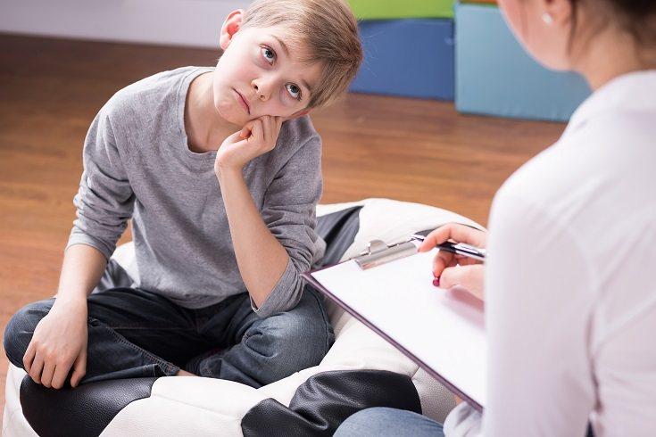 La falta de tiempo puede hacer que tu hijo adolescente no tenga tiempo para pasarlo con los amigos