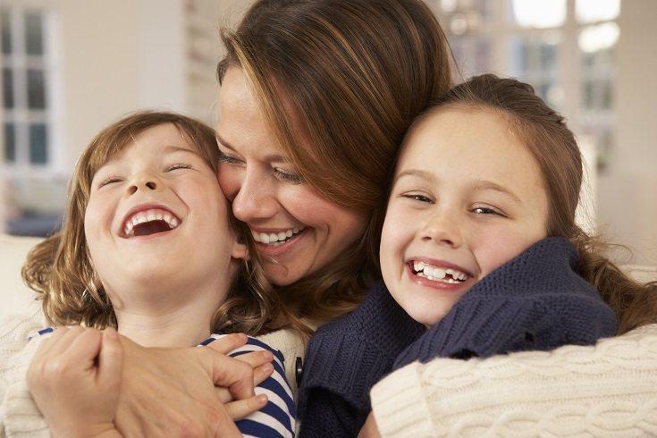 La risa puede ser una excelente manera de pasarlo bien en familia