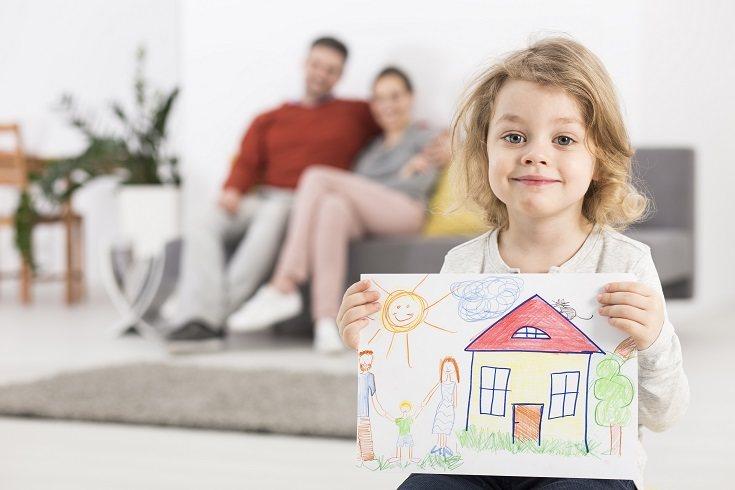 Entre las edades de cuatro y cinco años, los niños se vuelven cada vez más hábiles para conversar