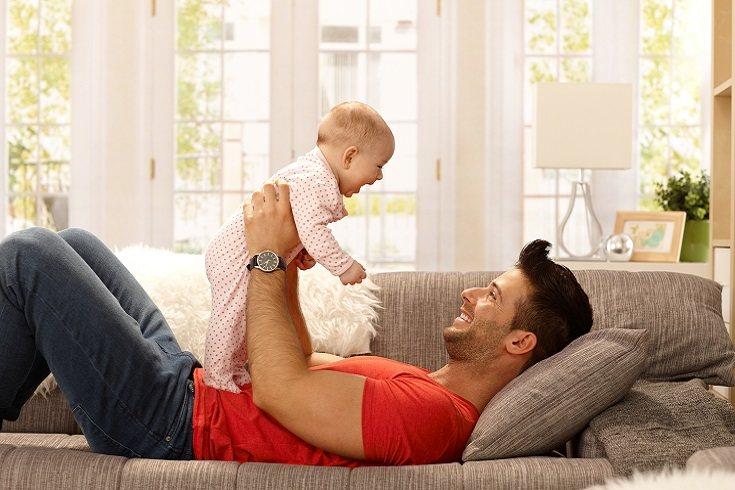Ser un padre que se queda en casa puede ser mucho más fácil para toda la familia