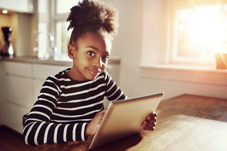 Las manualidades son una excelente manera de mantener a los niños ocupados