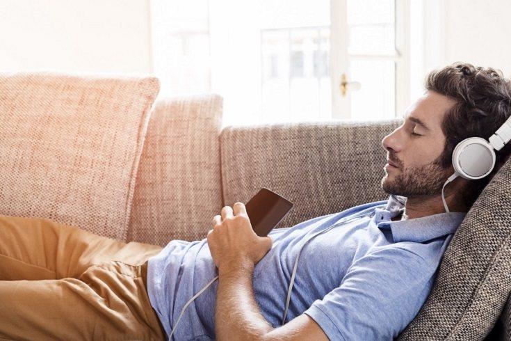 Una persona promedio necesita de siete a ocho horas por noche para recargarse